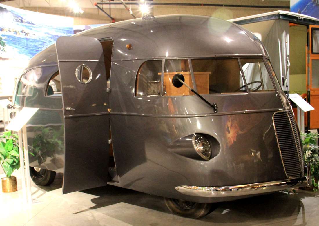 Image gallery hunt house car for Car house